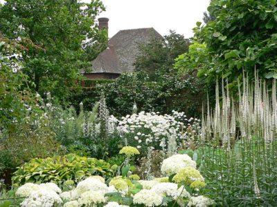 Сиссингхерста – «Белый сад». 1